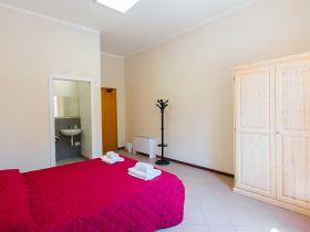 Habitación doble con baño privado