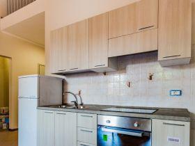 Apartamento de dos habitaciones con cocina y baño privado